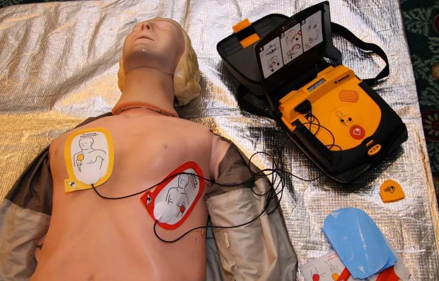 Дефибриллятор - аппарат, спасающий жизни